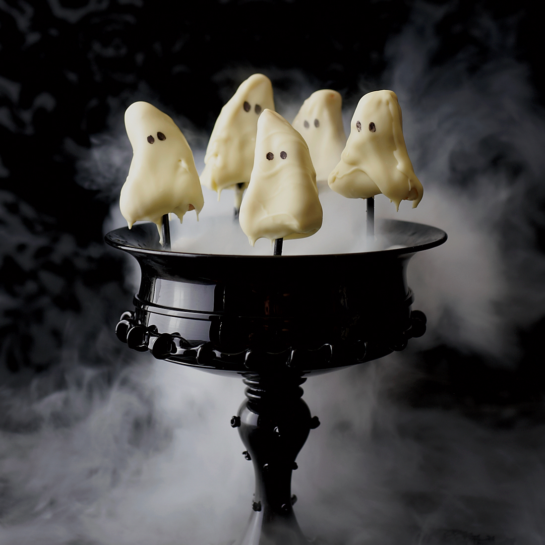 Halloween Party Recipes: Ghostly Lemon Cake Pops