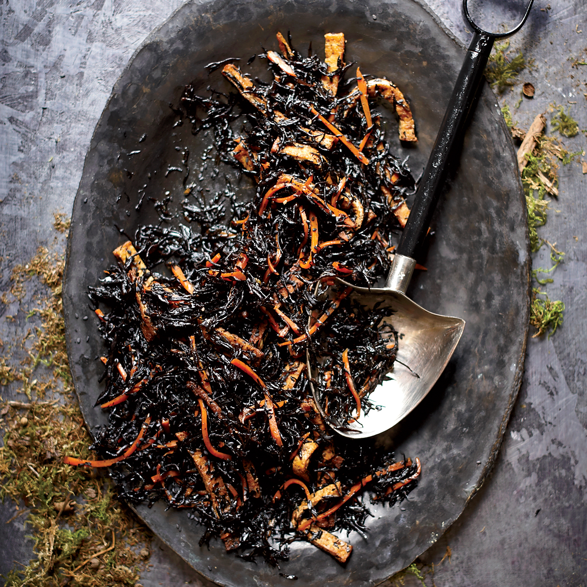 Worms in dirt hijiki salad recipe grace parisi food for Halloween dinner party food for adults