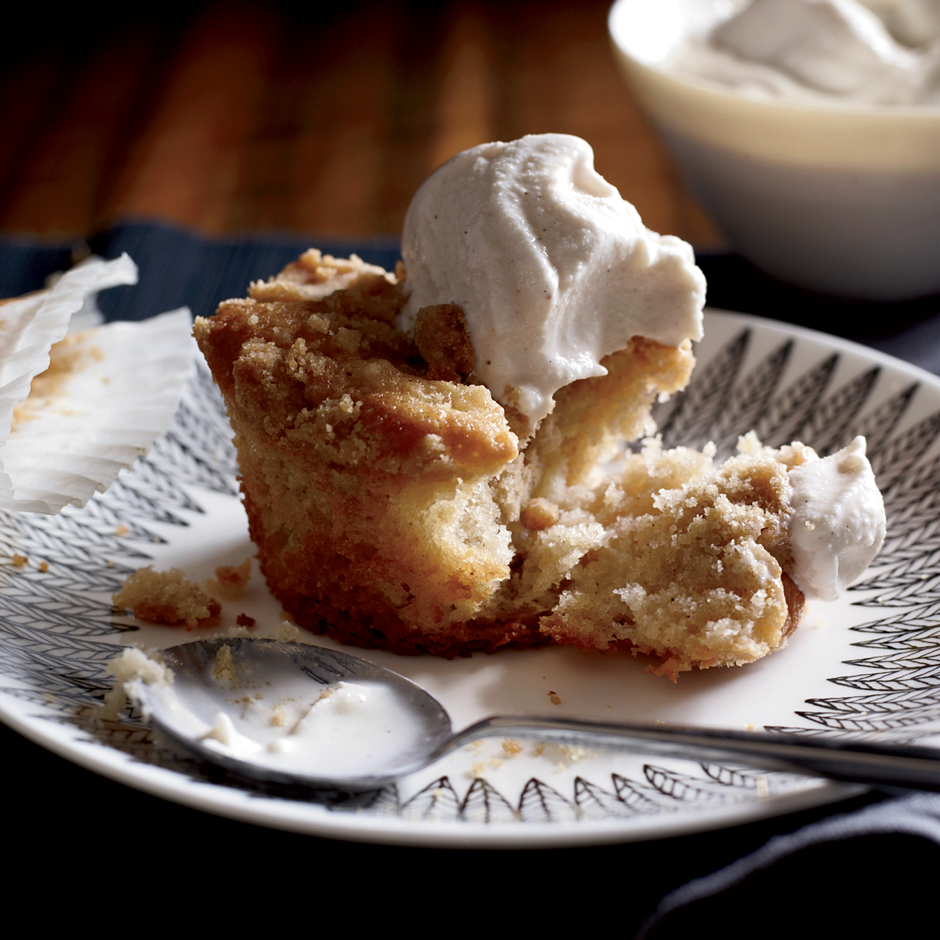 201111-r-apple-crumb-coffee-cakes.jpg