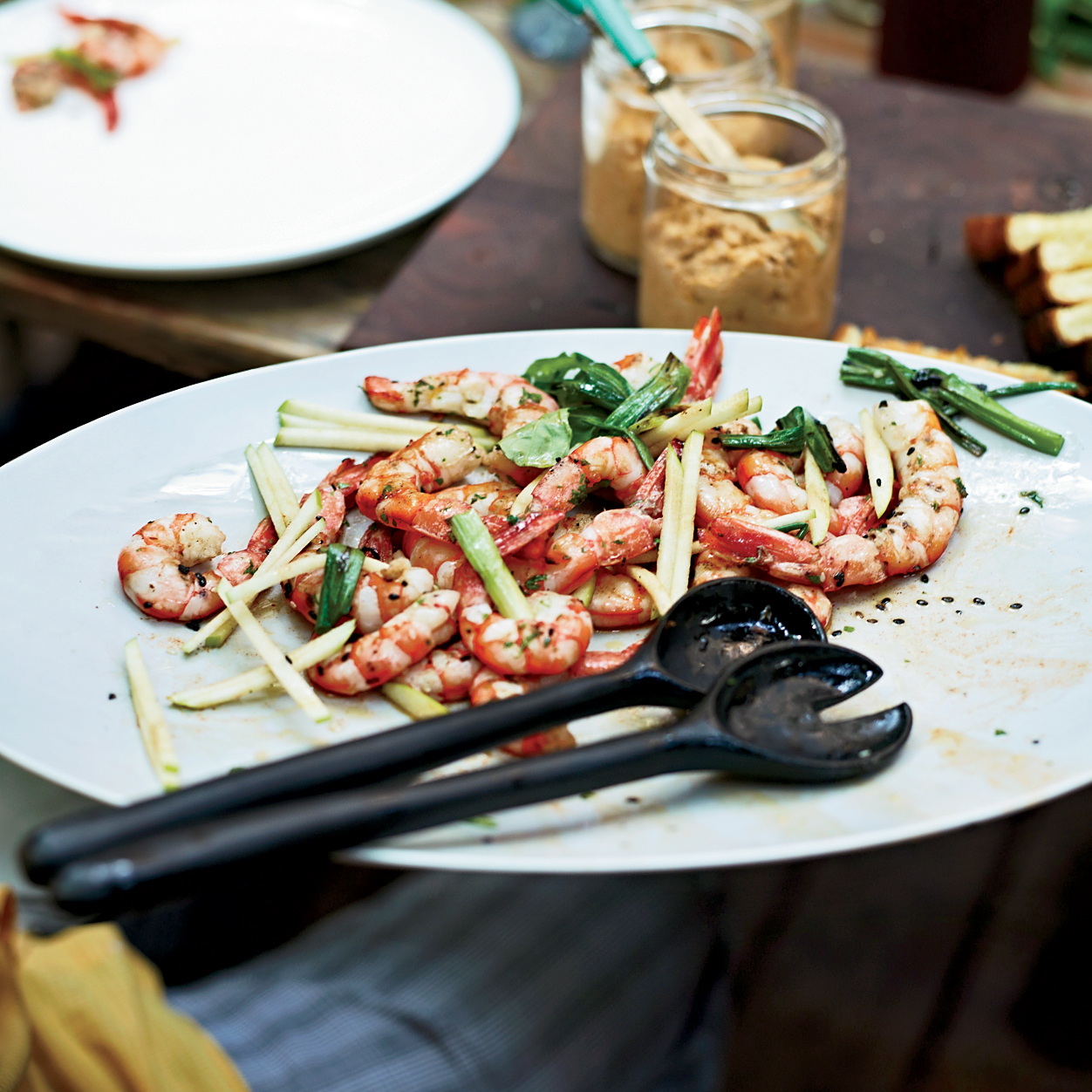 201111-r-grilled-shrimp-with-apple-and-charred-scallions.jpg