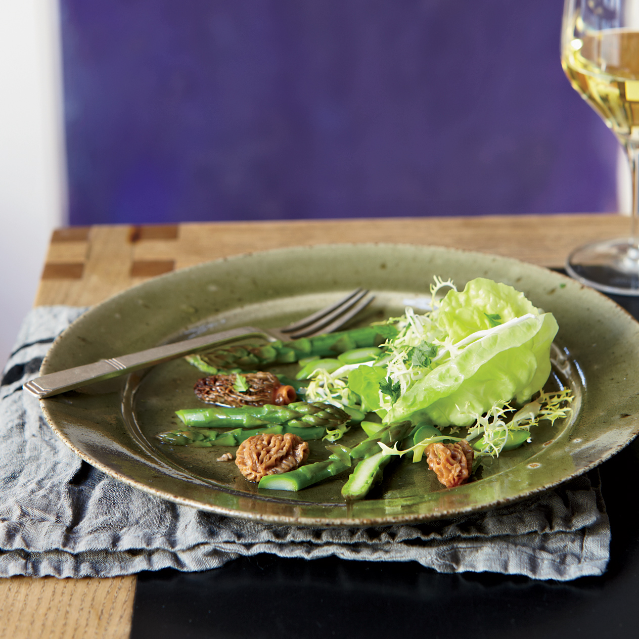 original-201205-r-morel-and-asparagus-salad-with-frisee-and-butter-lettuce.jpg