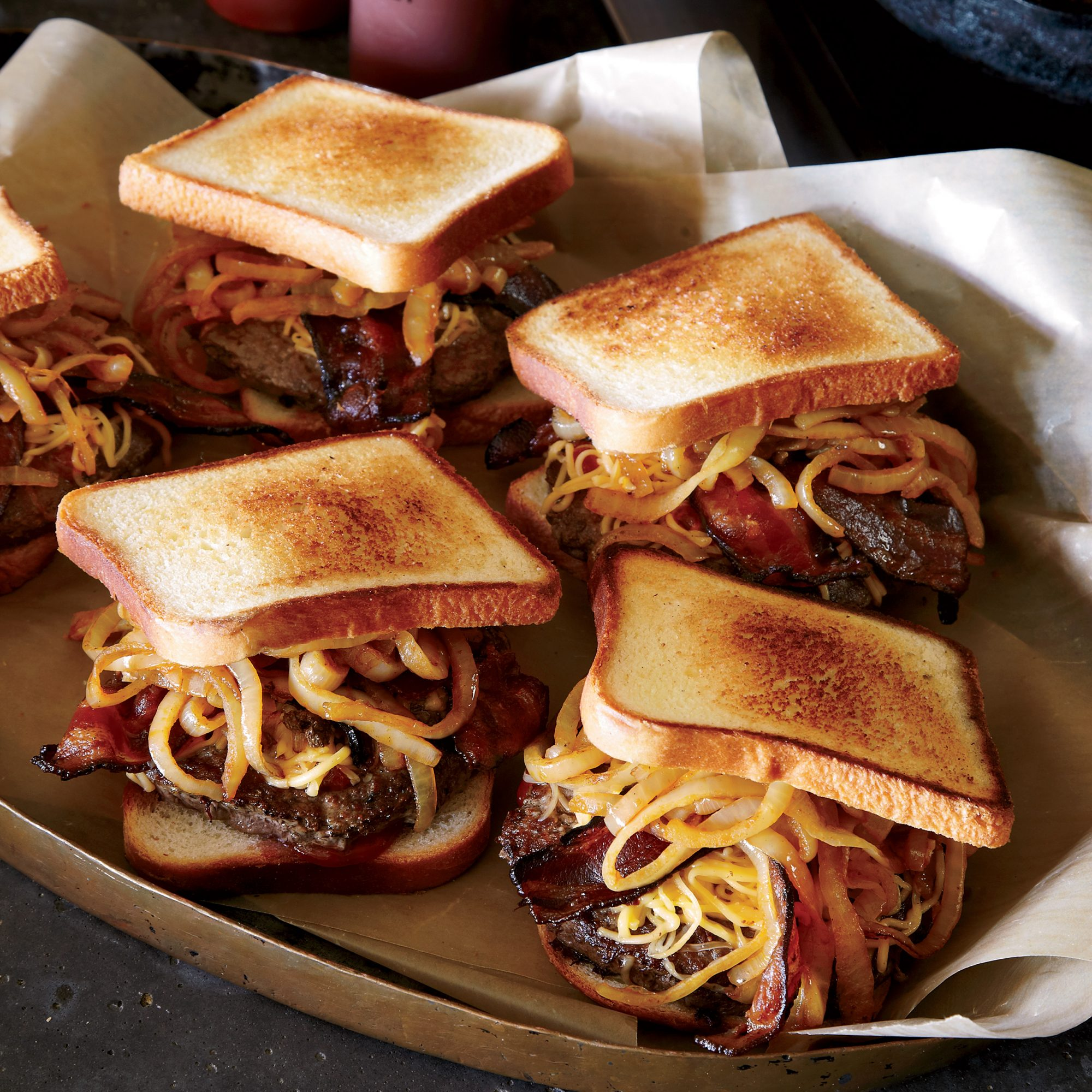 200x250-201206-r-smoked-gouda-and-bacon-burgers-with-barbecue-sauce.jpg