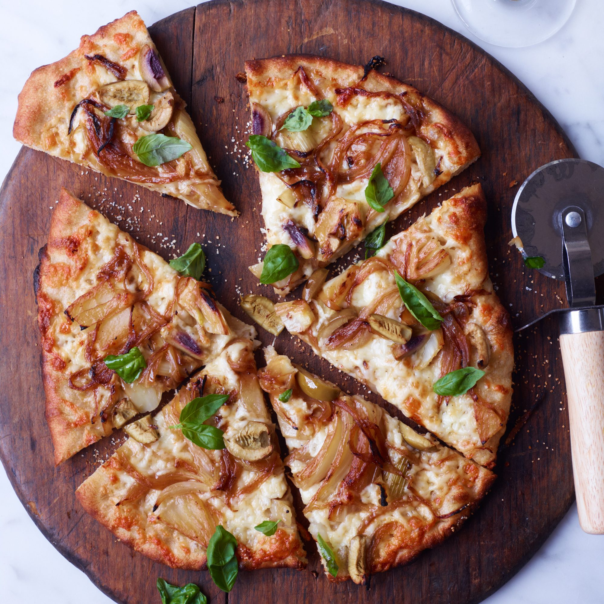 200x250-201207-r-fennel-and-sweet-onion-pizza-with-green-olives.jpg