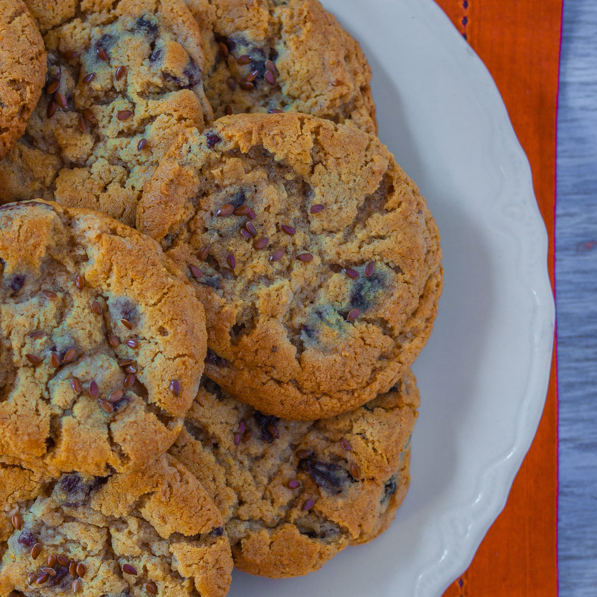 Oatmeal-Raisin Cookies with Flax