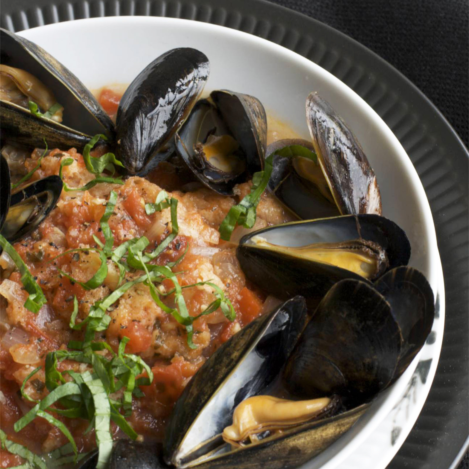 original-201204-r-qfs-tuscan-tomato-bread-soup-steamed-mussels.jpg
