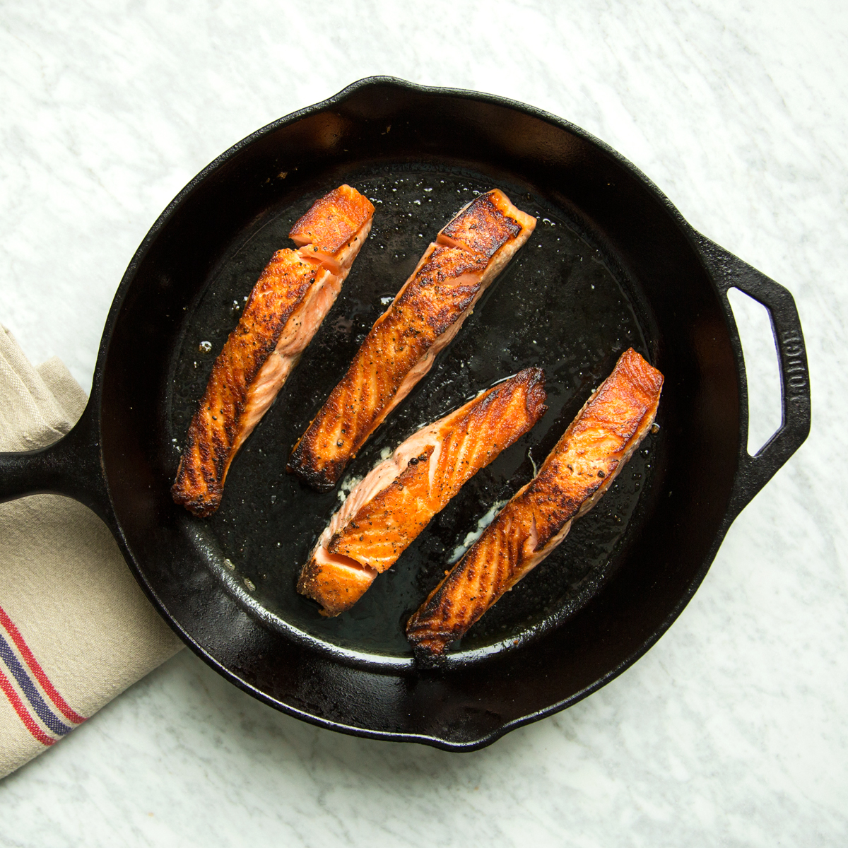 How to make salmon steak on pan