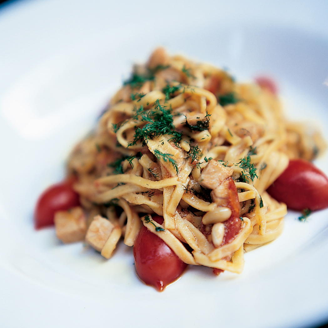 Linguine with fresh tuna tomatoes and lemon recipe for Fresh tuna fish recipes