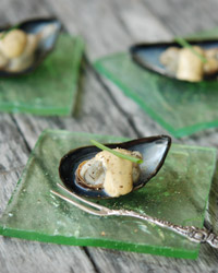 original-201301-r-steamed-mussels-with-aioli.jpg