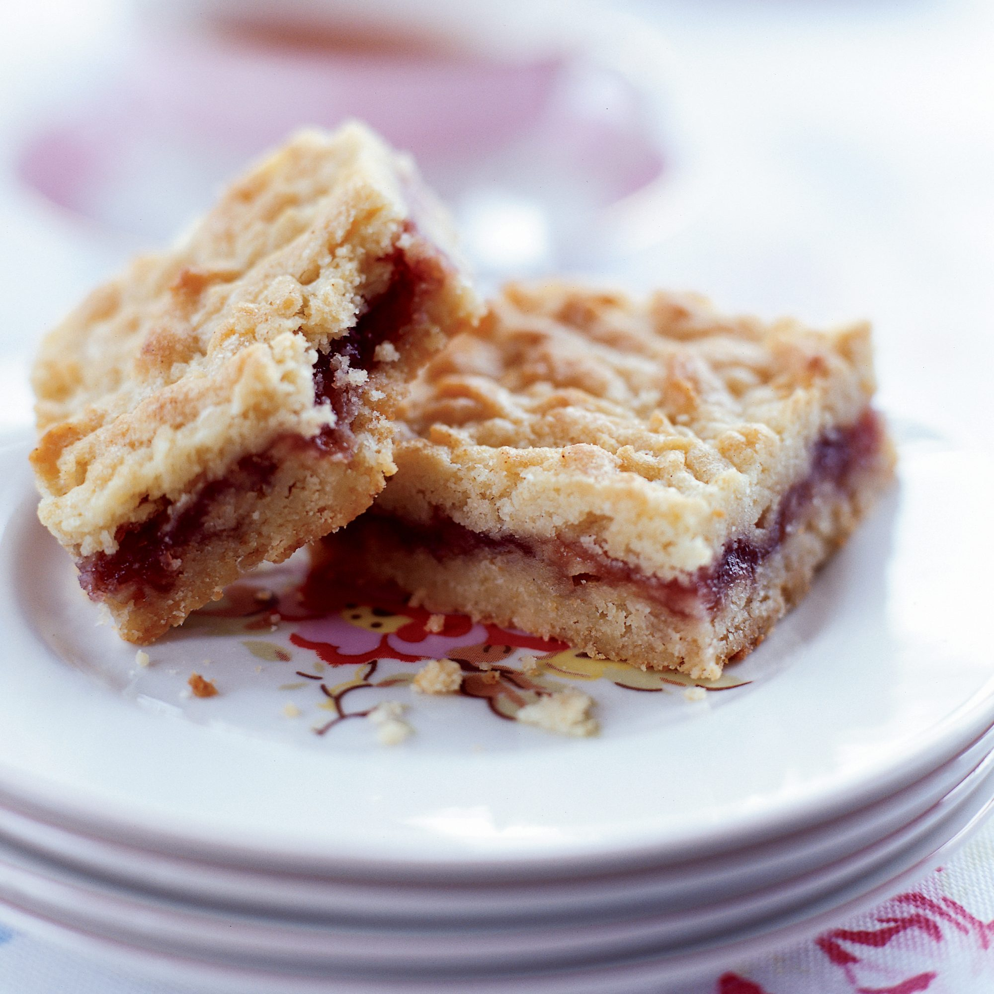 recipe: shortbread bars with jam [1]