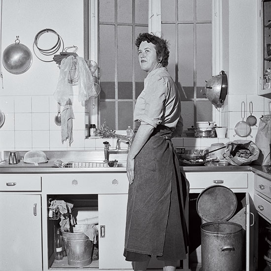 New cooking school opening at julia child 39 s house food for Julia child cooking school