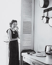 Marcella Hazan in Her New York Kitchen, 1957