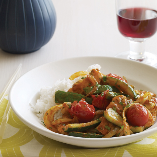 Fast thai dishes food wine thai chicken zucchini and tomato curry forumfinder Images