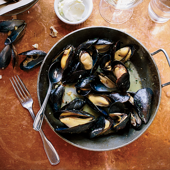 Mussels with Almonds and Garlic at Fore Street