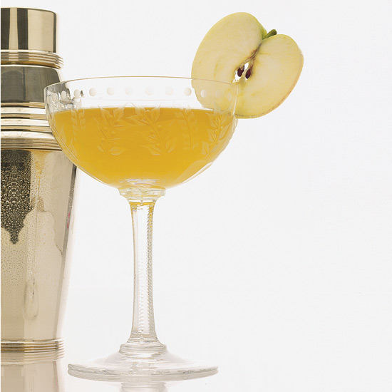 7 Ways to Transform the Appletini into a Respectable Cocktail