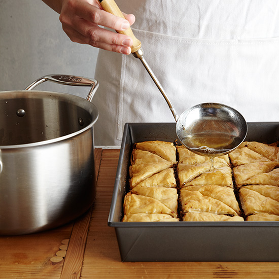 original-201310-HD-how-to-make-baklava-step-11.jpg
