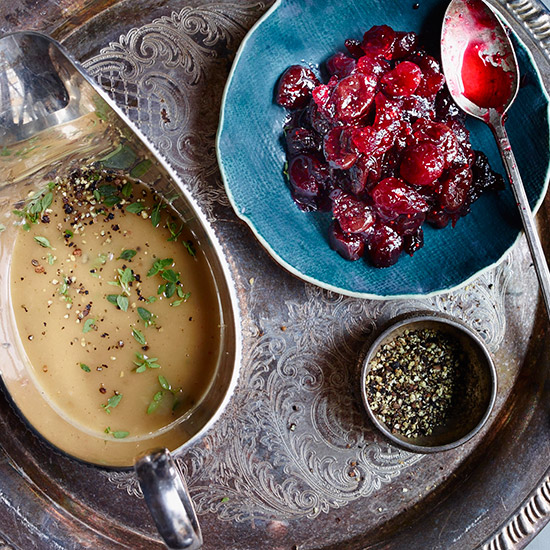How to Make the Ultimate Thanksgiving Gravy