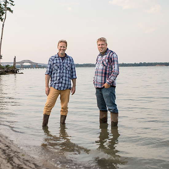 Can These Two Men Save the East Coast Oyster?