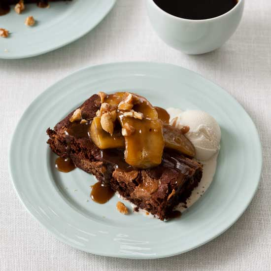 Chocolate-Peanut Butter Brownie Banana Splits
