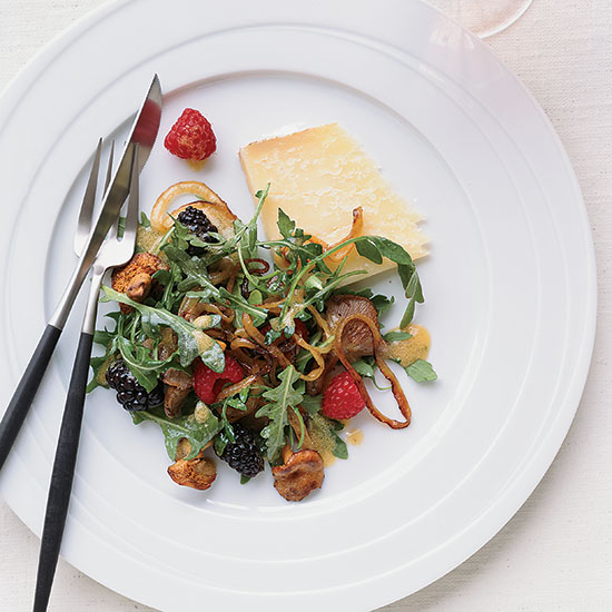 Warm Chanterelle-and-Berry Salad with Cheddar