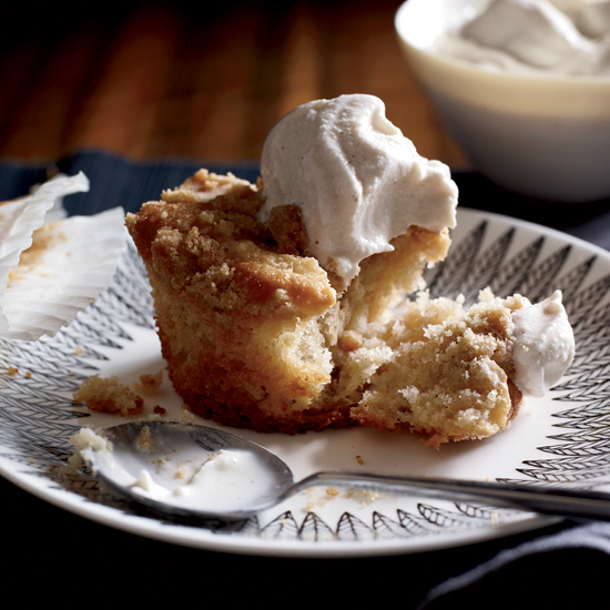 Apple Crumb Coffee Cakes