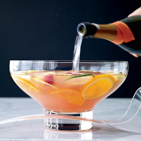 7 Oscar-Worthy Cocktails for a Crowd