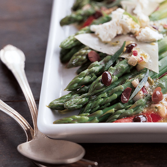 Asparagus Salad with Roasted Peppers and Goat Cheese