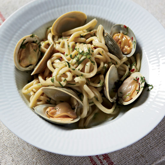 original-201002-HD-spaghetti-clams-garlic.jpg