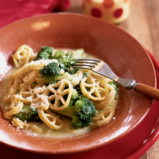 Wagon Wheels with Broccoli and Parmesan Cheese
