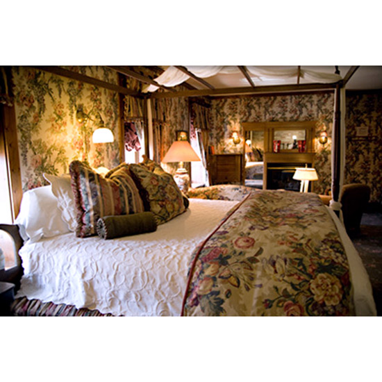 hd-201106-bed-breakfast-cedar-crossing-ss.jpg
