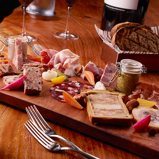 5 Best Foods for an Oscars Viewing Party Worthy of Daniel Boulud