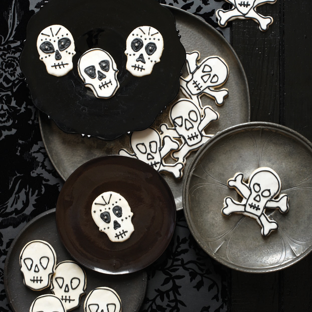 Day of the Dead Cookies (Halloween Sugar Cookies)