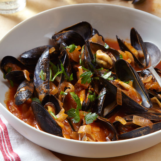 HD-steamed-mussels-qfs-r.jpg