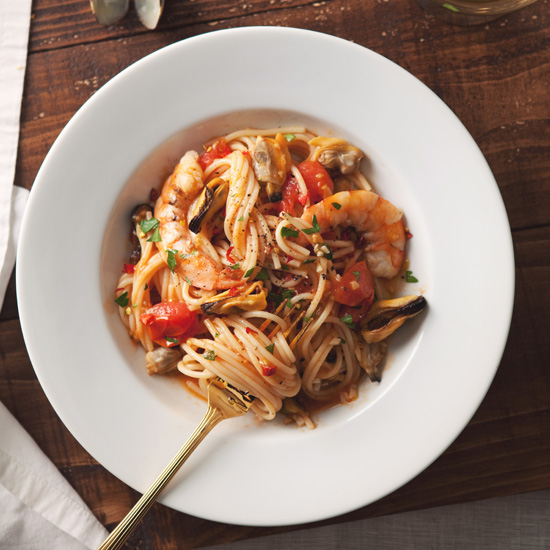 Spaghetti with Mussels, Clams, and Shrimps
