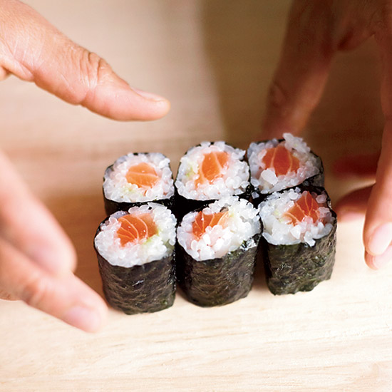 HD-201109-how-to-make-sushi-serve-ss.jpg