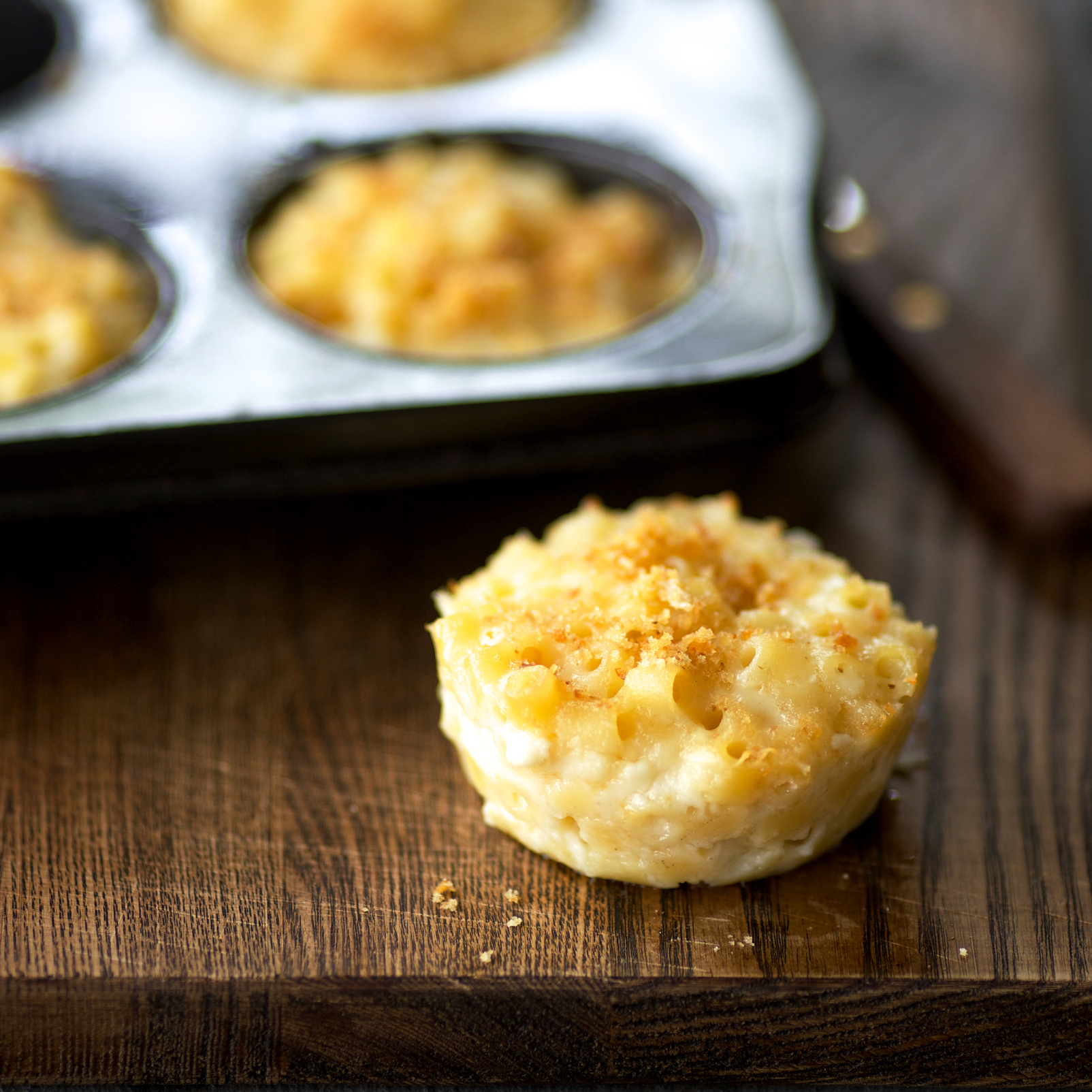201408-r-muffin-cup-macaroni-and-cheese.jpg