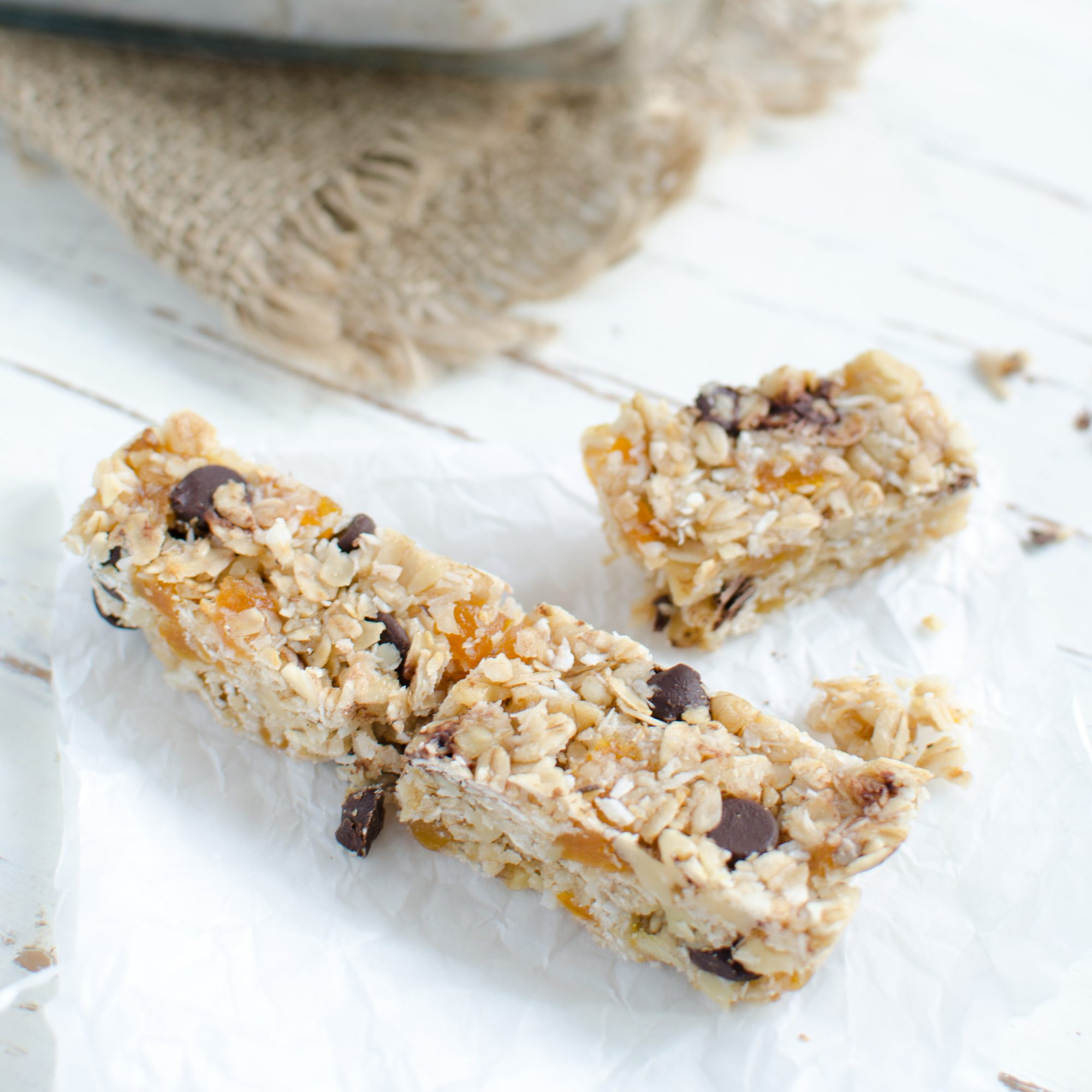 201404-r-coconut-flour-granola-bars-with-walnuts-and-dried-apricots.jpg