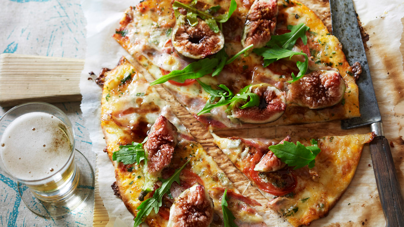 Gorgonzola Fig and Pancetta Pizza