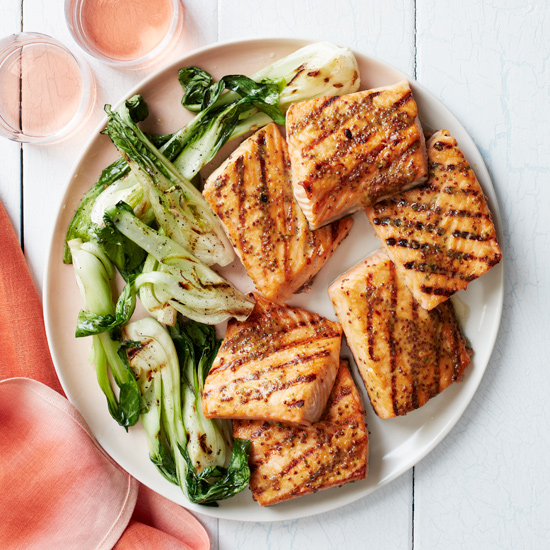 3 Wines to Pair with Grilled Salmon