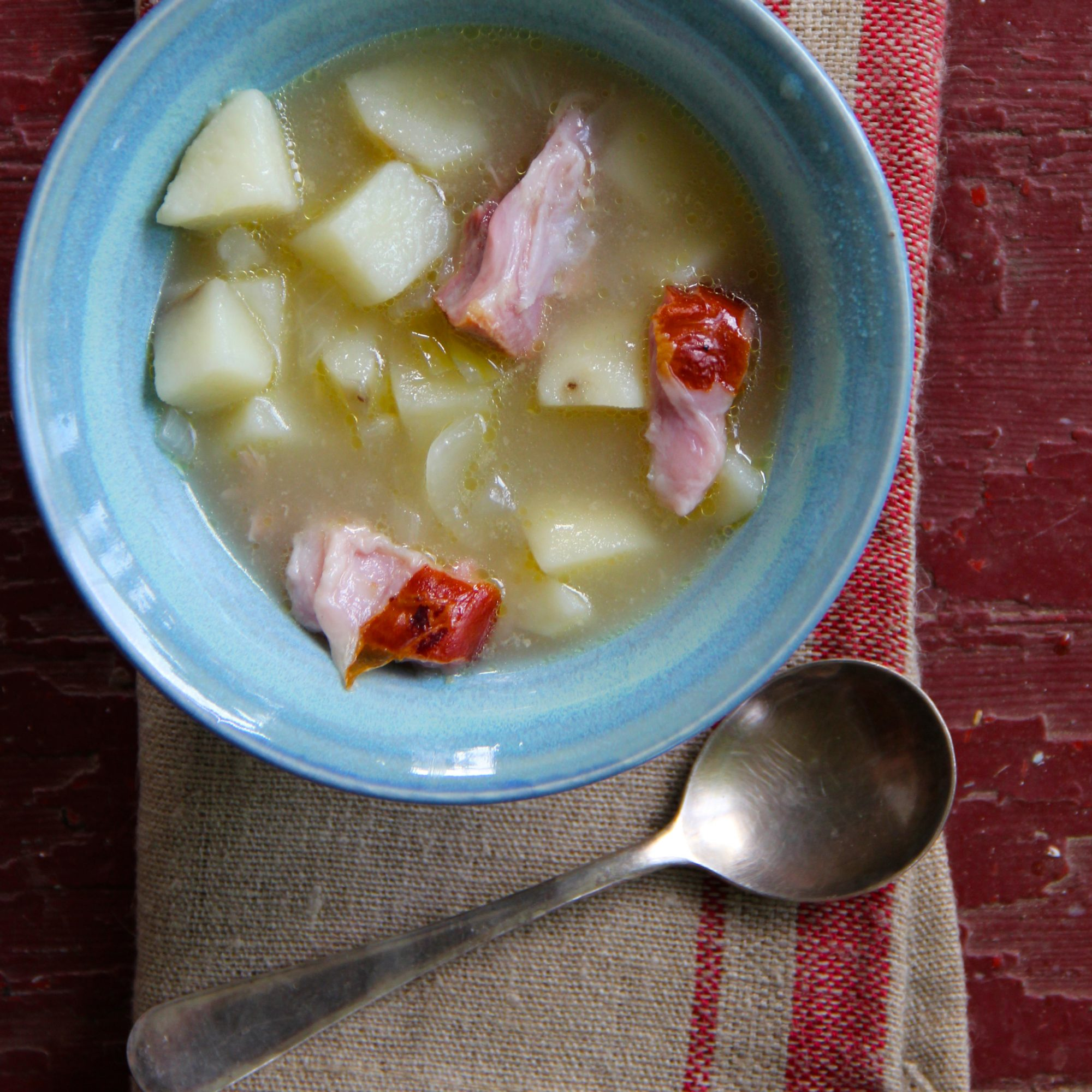 201503-r-slow-cooker-potato-and-ham-hock-soup.jpg