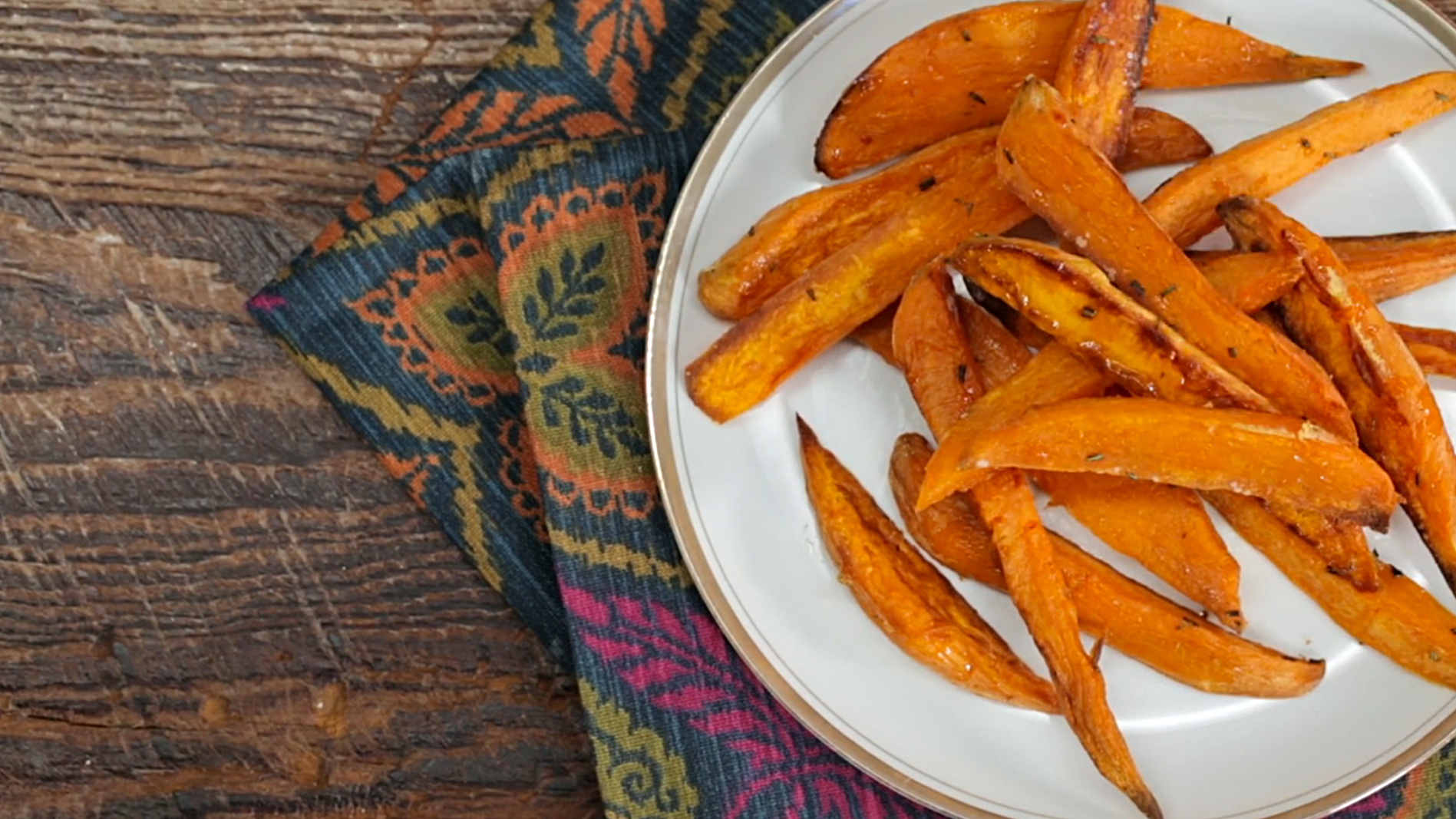How to Make Oven-Roasted Sweet Potato Wedges