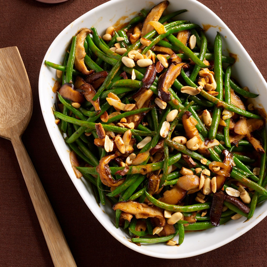Green Bean Casserole with Red Curry and Peanuts