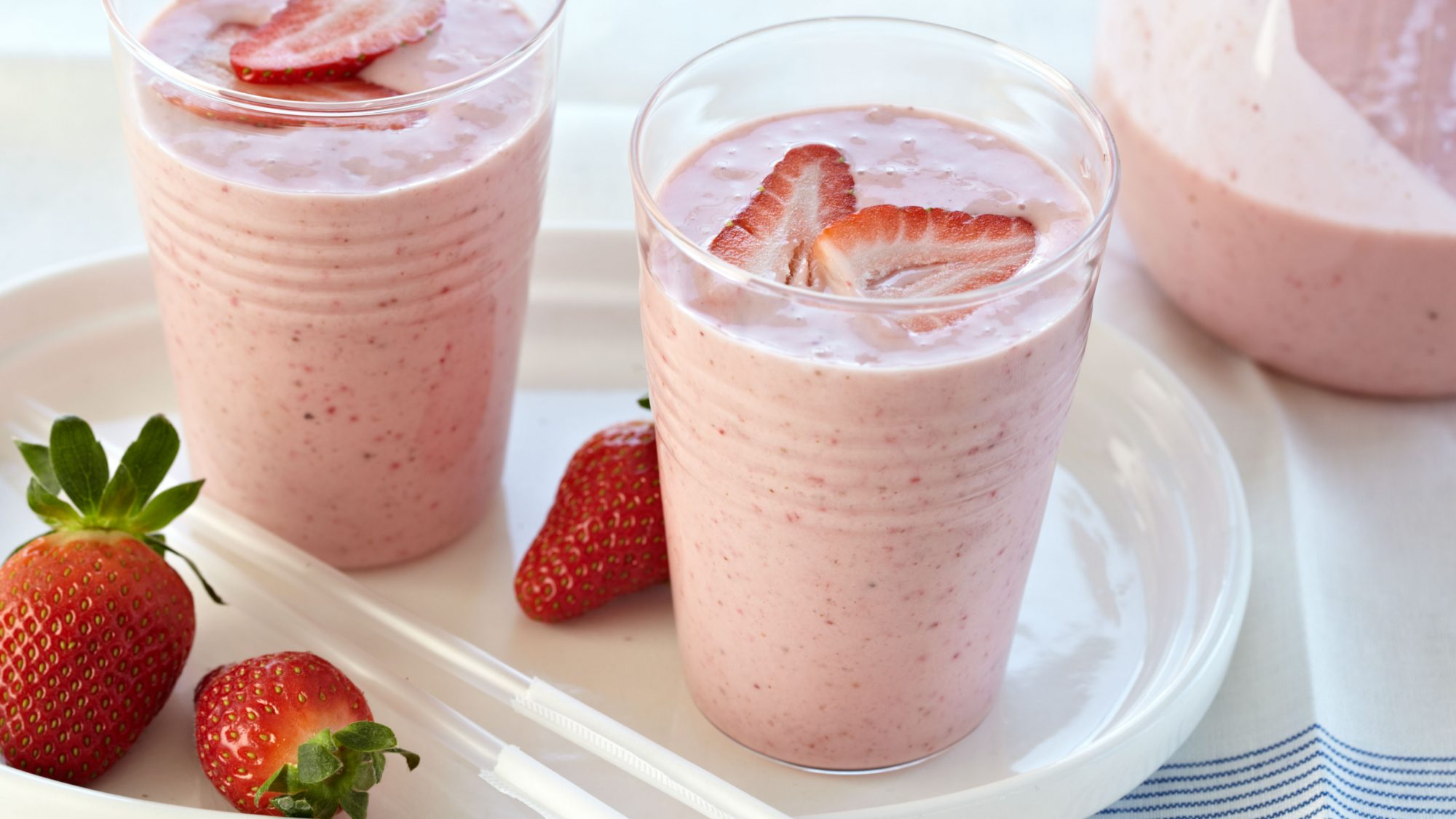 201012-FT-strawberry-banana-smoothie.jpg