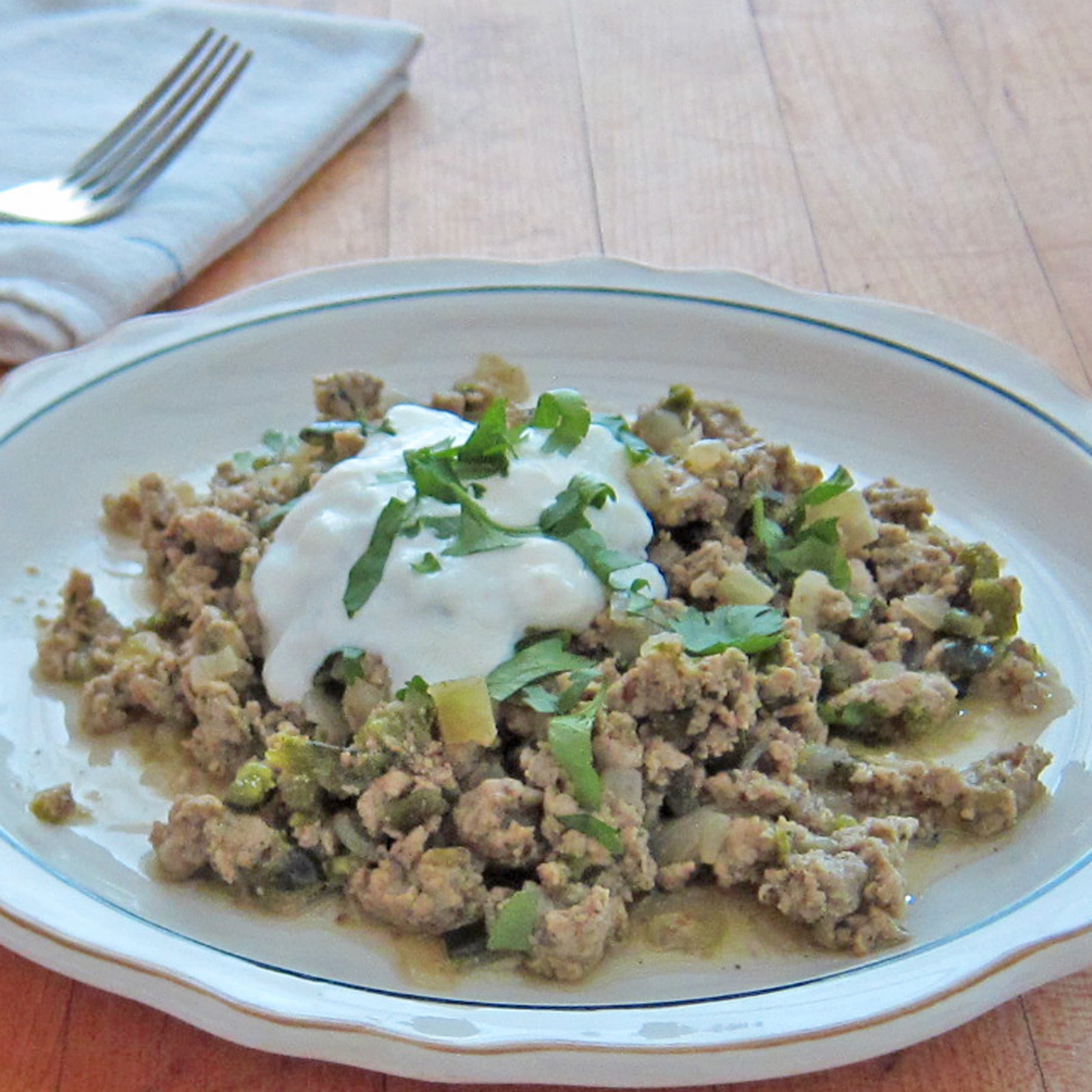 HD-201405-r-chicken-chili-with-lime-sour-cream.jpg