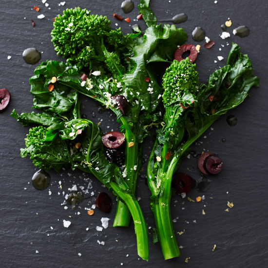 What is Broccoli Rabe? (And How Should You Cook It?)