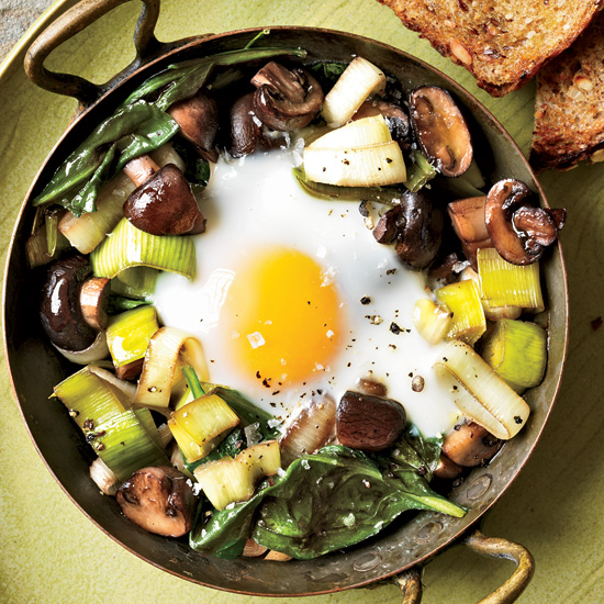 Best Wines to Pair with Baked Eggs