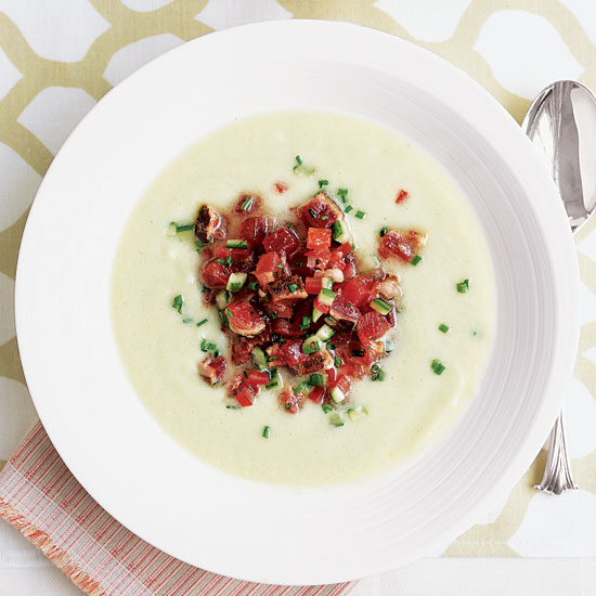 Cucumber Soup with Seared Tuna Tartare