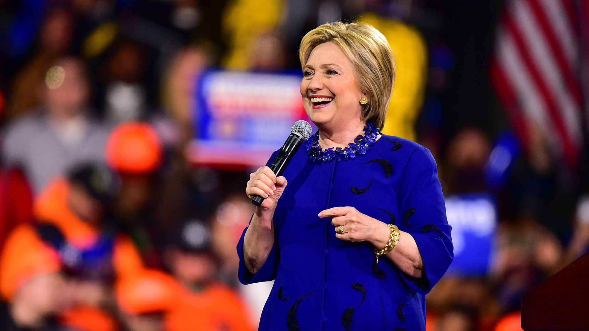 Hillary Clinton Joins the No-Tip Restaurant Movement