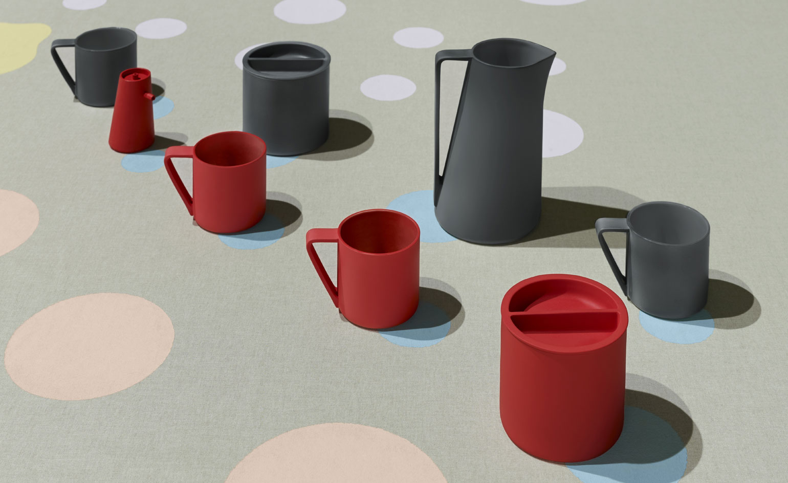 A New Brand Wants to Reinvent Traditional Japanese Porcelain