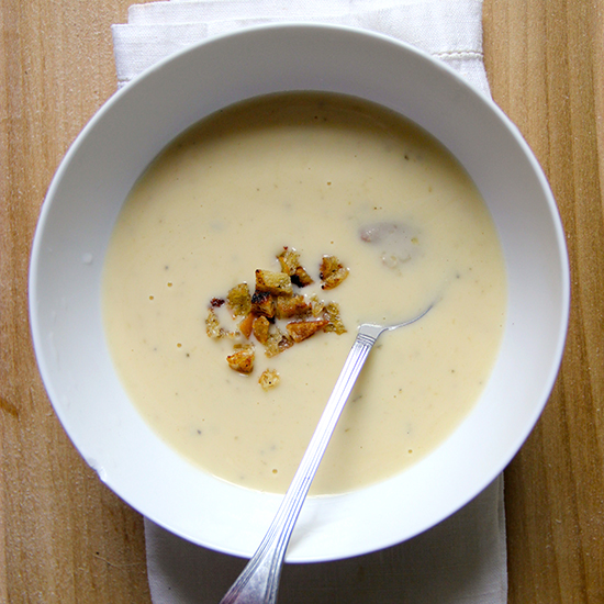 Slow Cooker Creamy Chicken Soup