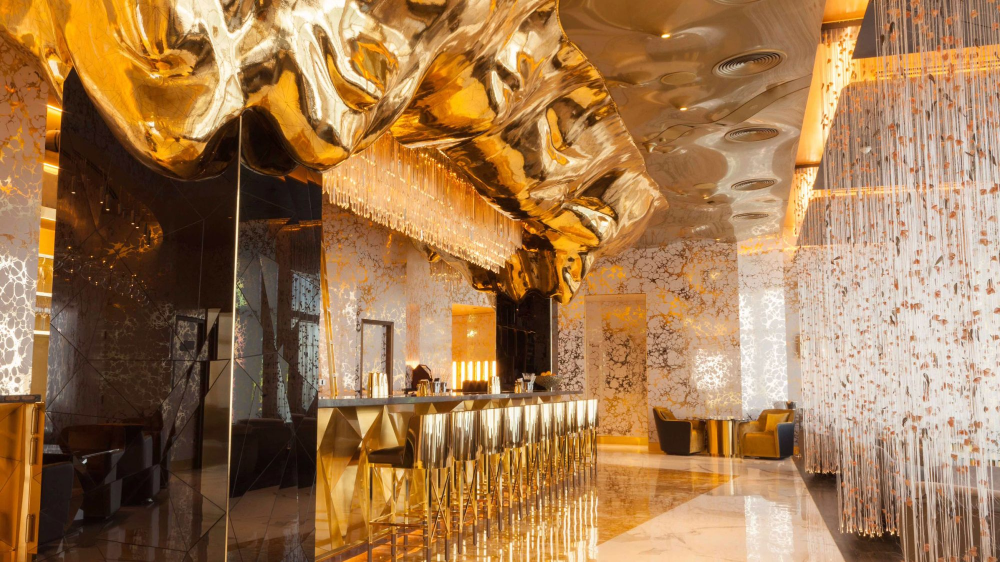 dubai-gold-bar。jpg